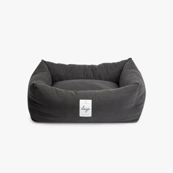 Rektangulär mörkgrå hundbädd med vit textiletikett
